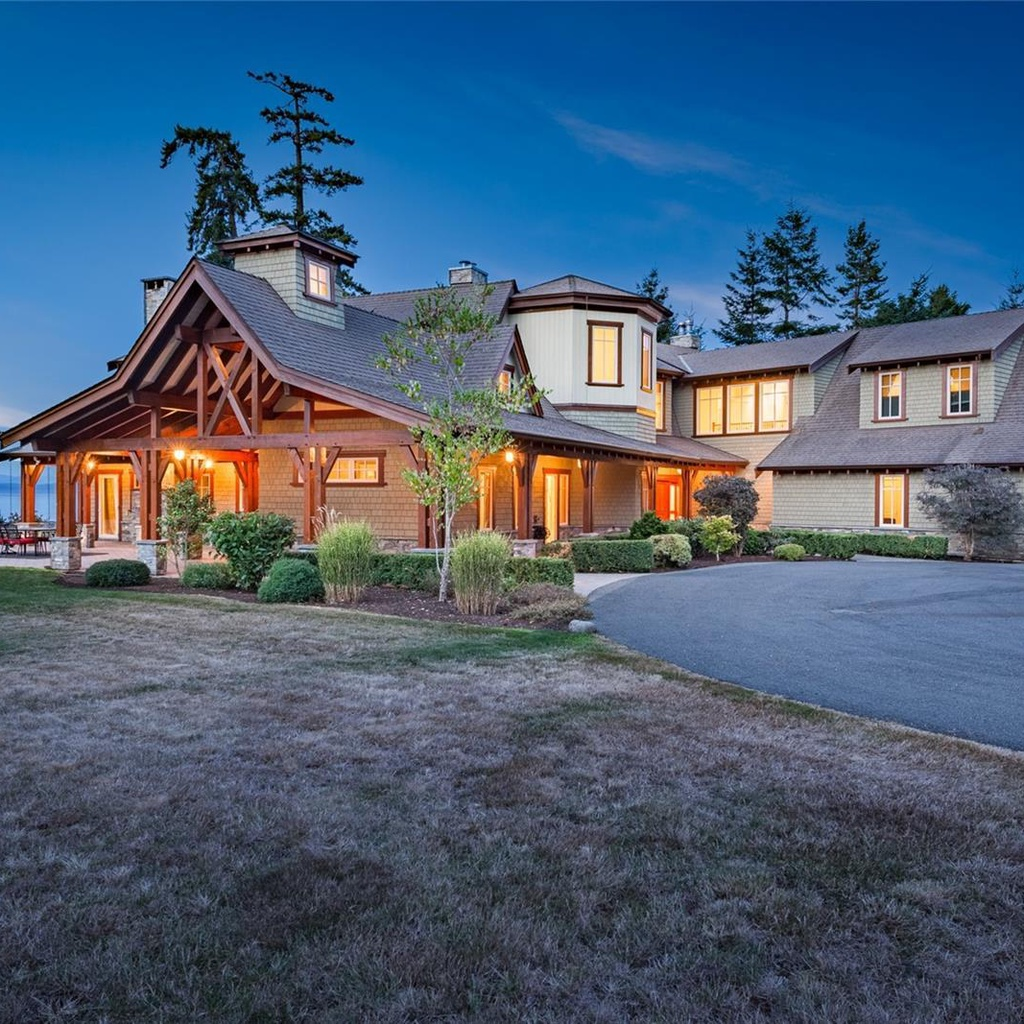 4410 & 4416 Island Hwy S located in Courtenay,                   British Columbia image #0